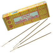 Nag Champa : Encens Indien Goloka ~ Boîte de 100 Grammes (95 Bâtonnets)